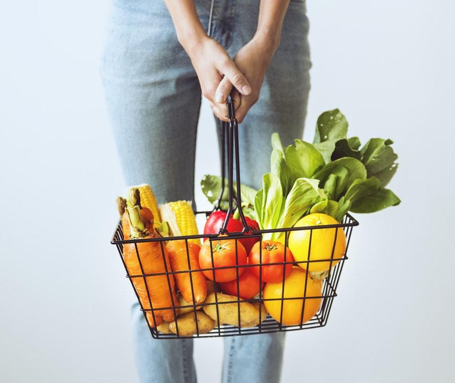fruits en vrac vegan femme